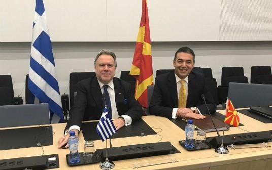 Δήλωση με το πέρας της συνάντησής με τον Υπουργό Εξωτερικών της πΓΔΜ, N. Dimitrov, στο περιθώριο των εργασιών της Συνόδου Υπουργών Εξωτερικών του ΝΑΤΟ (Βρυξέλλες, 04.12.2018)
